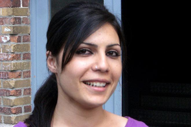 Nissrin Ali, Preisträgerin der PRO ASYL-Hand 2009