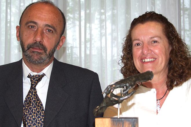 Die PRO ASYL-Hand 2007 wurde an José Palazón Osma und Maite Echarte Mellado von der spanischen Menschenrechtsorganisation PRODEIN verliehen