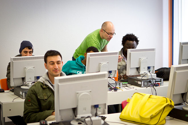 übersicht Informationsangebote Für Flüchtlinge Im Internet Pro Asyl
