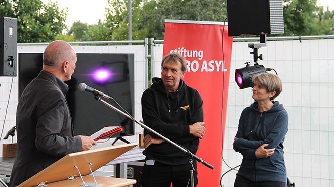 Preisverleihung Alarm Phone Hagen Kopp Marion Bayer Andreas Lipsch