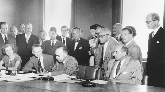 Unterzeichnung der Genfer Flüchtlingskonvention 1951.